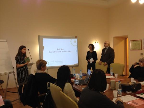 Liselott Lindén och Cecilia Brenner presenterar metoden Fair Sex på metodseminarium i St Petersburg.